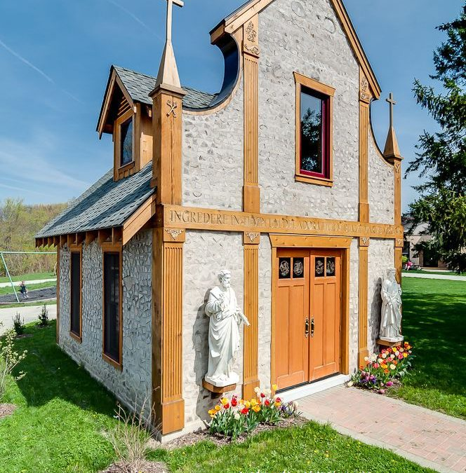 Cordwood Church in Chesterton, Indiana