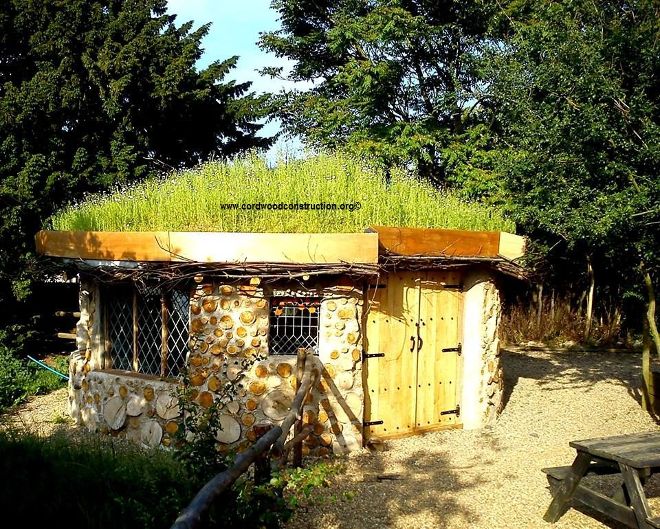 FB page of Sigi via FB page of Jimmy's Farm Sigi says If you are considering building yourself a natural home, I recommend start  small so you can get a sense of the materials and the time take a hands-on workshop
