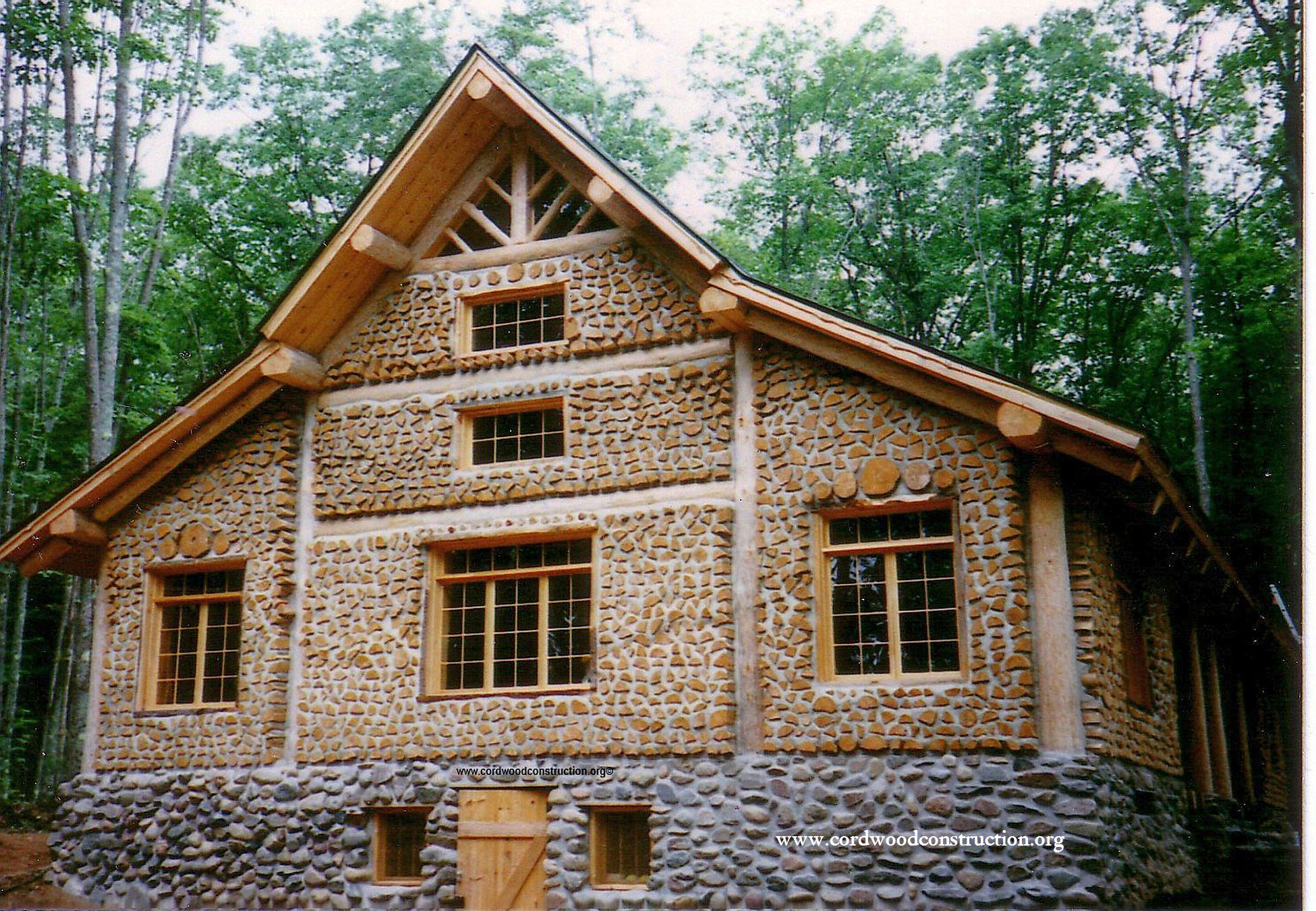 Cordwood_Lodge_northern_Wisconsin_photo_by_Richard_Flatau_300ppi small pixels